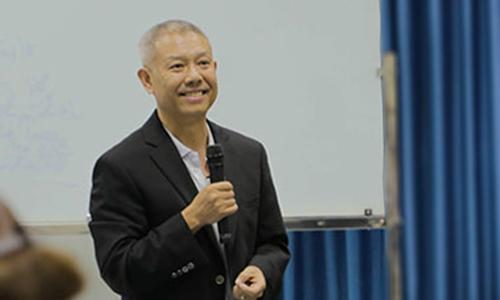 Ý kiến trái chiều sau việc GS Trương Nguyện Thành rời Hoa Sen