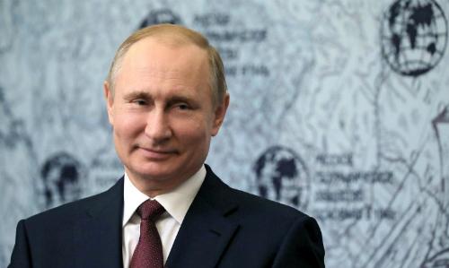 Tổng thống Nga Putin tại một cuộc họp ở Saint Petersburg ngày 27/4. Ảnh: AFP.