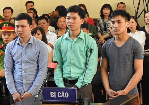 Bị cáo Lương, Sơn, Quốc có mặt tại toà. Ảnh: Phạm Dự.