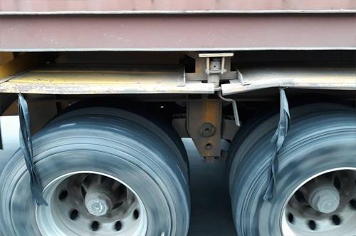Dây cao su ở lốp xe tải.