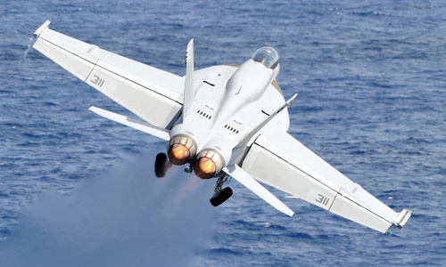 Phi công Mỹ bị ngạt thở khi không kích IS tại Syria