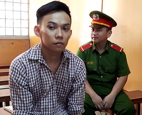 Bị cáo Minh xin tòa xem xét giảm nhẹ hình phạt. Ảnh: Hải Duyên.