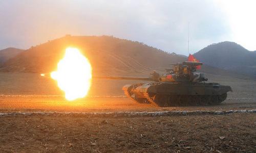 Triều Tiên thu nhỏ giải đấu xe tăng trước cuộc gặp Trump - Kim