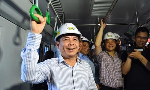 """Bộ trưởng Giao thông: """"Đường sắt Cát Linh - Hà Đông êm hơn đường sắt quốc gia"""""""