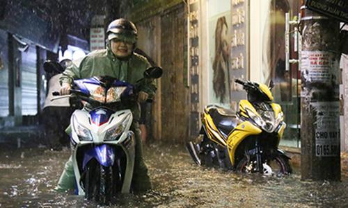 Hà Nội hứng cơn mưa lớn nhất từ đầu năm
