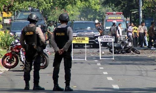 Nghi phạm đánh bom nhà thờ ở Indonesia là người trong một gia đình