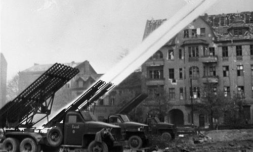 Katyusha - giàn pháo phản lực từng khiến phát xít Đức khiếp sợ - ảnh 2
