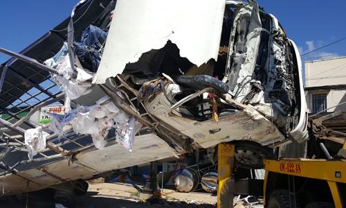 Ôtô tải tông hàng loạt xe ở Lâm Đồng, 5 người tử vong