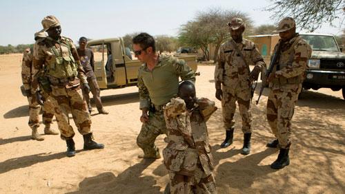 5 giờ tuyệt vọng dưới làn đạn phiến quân Niger của đặc nhiệm Mỹ - ảnh 4