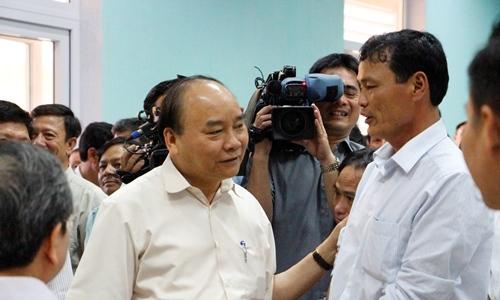 Thủ tướng thăm ngư dân bị ảnh hưởng bởi sự cố Formosa