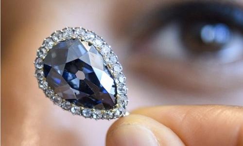 Kim cương 300 năm thuộc hoàng gia châu Âu đấu giá 6,7 triệu USD