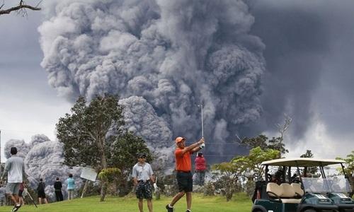 Núi lửa Hawaii phun cột tro bụi cao 3.600 m