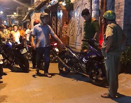 Cảnh sát bao vây nhà Hùng ở Gò Vấp, bắt Tài Mụn.