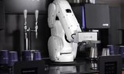 Robot phục vụ 120 cốc cà phê mỗi giờ