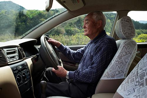 Nhiều người già tại Nhật Bản vẫn phải tự lái xe.