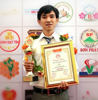 Anh Dương Minh Trung vinh dự nhận giải thưởngThương hiệu,nhãn hiệu tin dùng 2017.