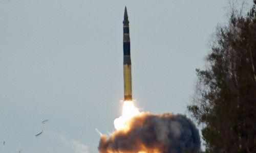 Tên lửa Topol rời bệ phóng. Ảnh: TASS.