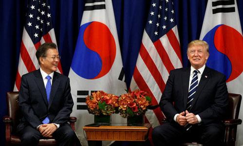 Trump sẽ gặp Tổng thống Hàn Quốc trước khi họp thượng đỉnh với Kim Jong-un - ảnh 1