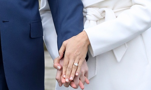 Cặp nhẫn cưới bằng vàng, bạch kim của Hoàng tử Harry và hôn thê