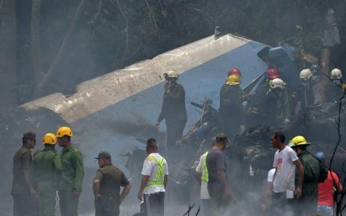 Hiện trường máy bay rơi. Ảnh: AFP.