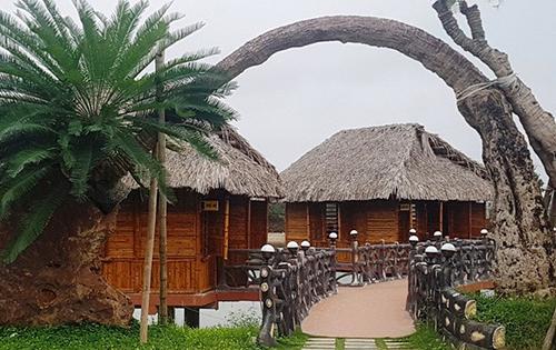 Nhiều hạng mục xây dựng sai phép trong khu đất của em trai Bí thư TP Thanh Hoá Nguyễn Xuân Phi. Ảnh: Lam Sơn.