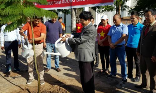 Người Việt tại Mozambique kỷ niệm 128 năm ngày sinh Bác Hồ