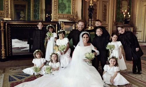 Vợ chồng Hoàng tử Harry công bố ảnh đám cưới