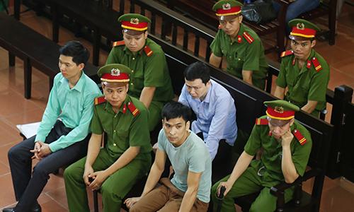 Bác sĩ Lương bị điền thêm ''nhiệm vụ'' trong sổ giao ban phân công -