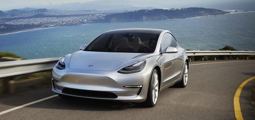 Tesla Model 3 sẽ thêm phiên bản hiệu năng cao thời gian tới. Ảnh: Electrek.