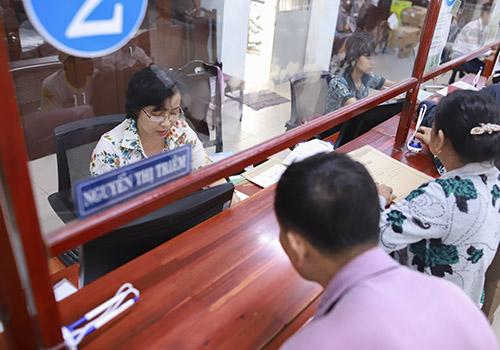 Vì sao nhân tài ở Đà Nẵng thôi việc?