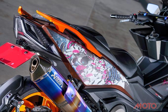 Kymco AK550 độ phong cách Nhật Bản