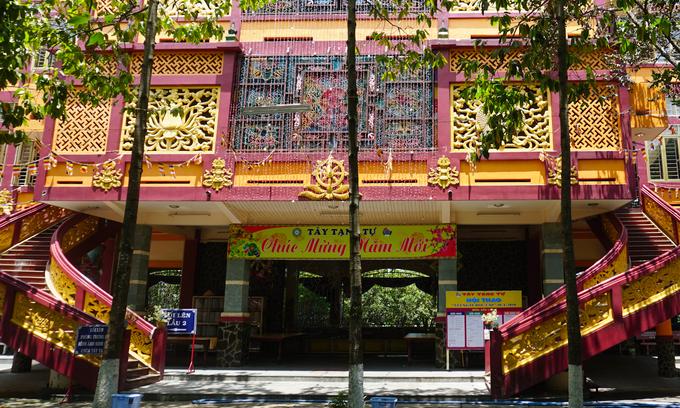 Chùa Tây Tạng có bức tượng Phật bằng tóc người lớn nhất Việt Nam