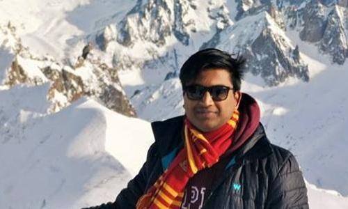 Chỉ với một chiếc bút bi, Mangalam đã góp phần cứu sống một người. Ảnh: FB/Karttikeya Mangalam
