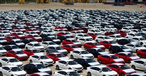 Thị trường hiện chưa có nhiều lựa chọn xe nhập khẩu cho người dùng.
