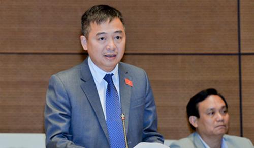 Đại biểu Nguyễn Lân Hiếu, Phó giám đốc Bệnh viện Đại học Y Hà Nội. Ảnh: QH