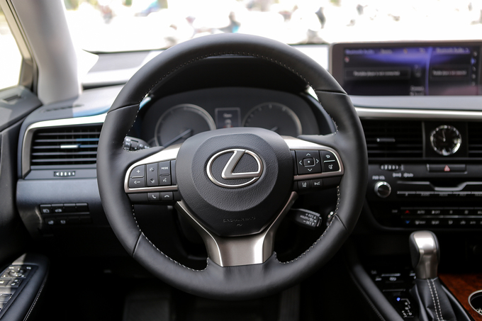 Lexus RX350L 7 chỗ đầu tiên về Việt Nam giá 5 tỷ