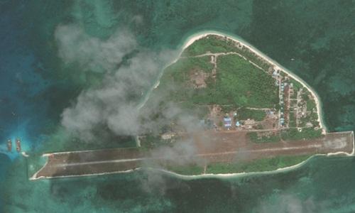 Philippines đang sửa chữa đường băng trên đảo Thị Tứ. Ảnh: CSIS.