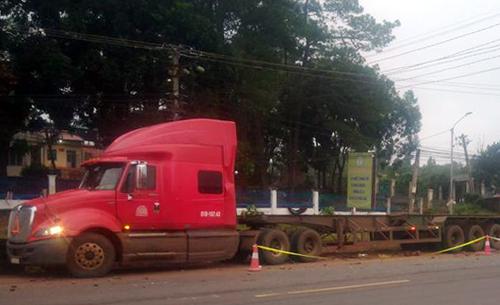 Xe đầu kéo container trong vụ tai nạn. Ảnh: Thiện Nhân.