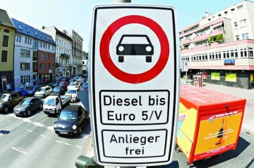 Lệnh cấm động cơ diesel tại Đức có thể sẽ tạo hiệu ứng dây chuyền nếu có kết quả tích cực. Ảnh: Telegraph.