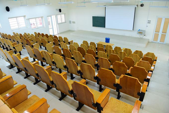 Trường hơn 1.000 tỷ đồng chỉ vài trăm sinh viên theo học