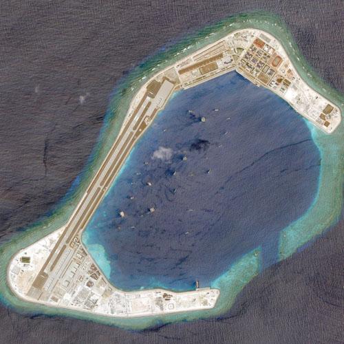 Ảnh chụp vệ tinh đá Subi thuộc quần đảo Trường Sa của Việt Nam hồi tháng 3. Ảnh:Reuters.