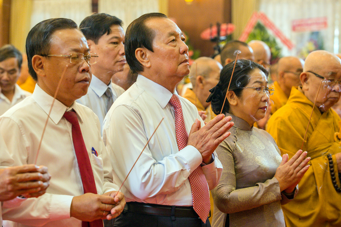 Hơn 2.000 phật tử tưởng niệm Bồ tát Thích Quảng Đức tại TP HCM