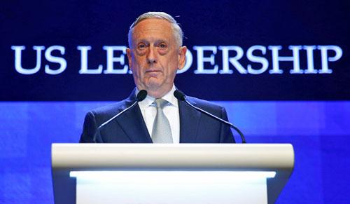 Bộ trưởng Quốc phòng Mỹ James Mattis phát biểu tại Đối thoại Shangri-La. Ảnh: AP.