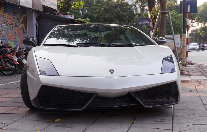 'Siêu bò' Lamborghini Gallardo độc nhất Việt Nam tái xuất trên phố