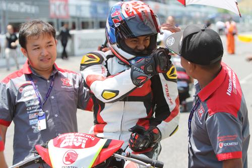 Đua môtô ở Việt Nam - từ trẻ hư tới chuyên nghiệp - page 2