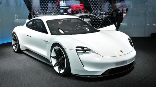 Porsche Mission E concept xuất hiện năm 2015 và dự kiến đi vào sản xuất trong 2019. Ảnh:sqltechnology.