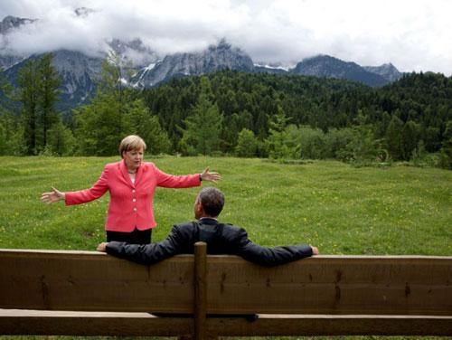 Bà Merkel và ông Obama trò chuyện tại hội nghị G7 năm 2015 ở Đức. Ảnh: Reuters.