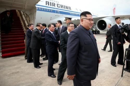 Lãnh đạo Triều Tiên hôm qua đến Singapore trên máy bay của hãng hàng không Trung Quốc Air China. Ảnh: AFP.