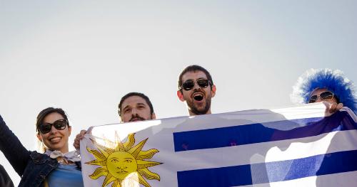 Bóng đá là một trong những điều thiêng liêng ở Uruguay. Ảnh: Reuters