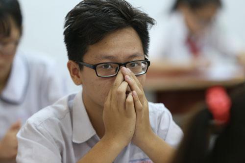 Thí sinh dự thi tuyển sinh lớp 10 ở TP HCM. Ảnh: Quỳnh Trần.